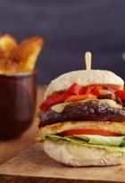 Hamburguesa con chips de boniato