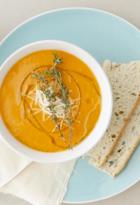 Sopa de tomate y focaccia