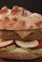 Hamburguesa Angus de Conaprole, preparala al estilo criollo.